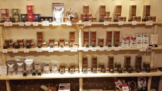 サンドグラス ヨコハマ 店内の紅茶売り場